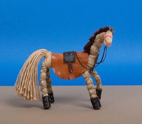 Лошадка из ниток мастер класс