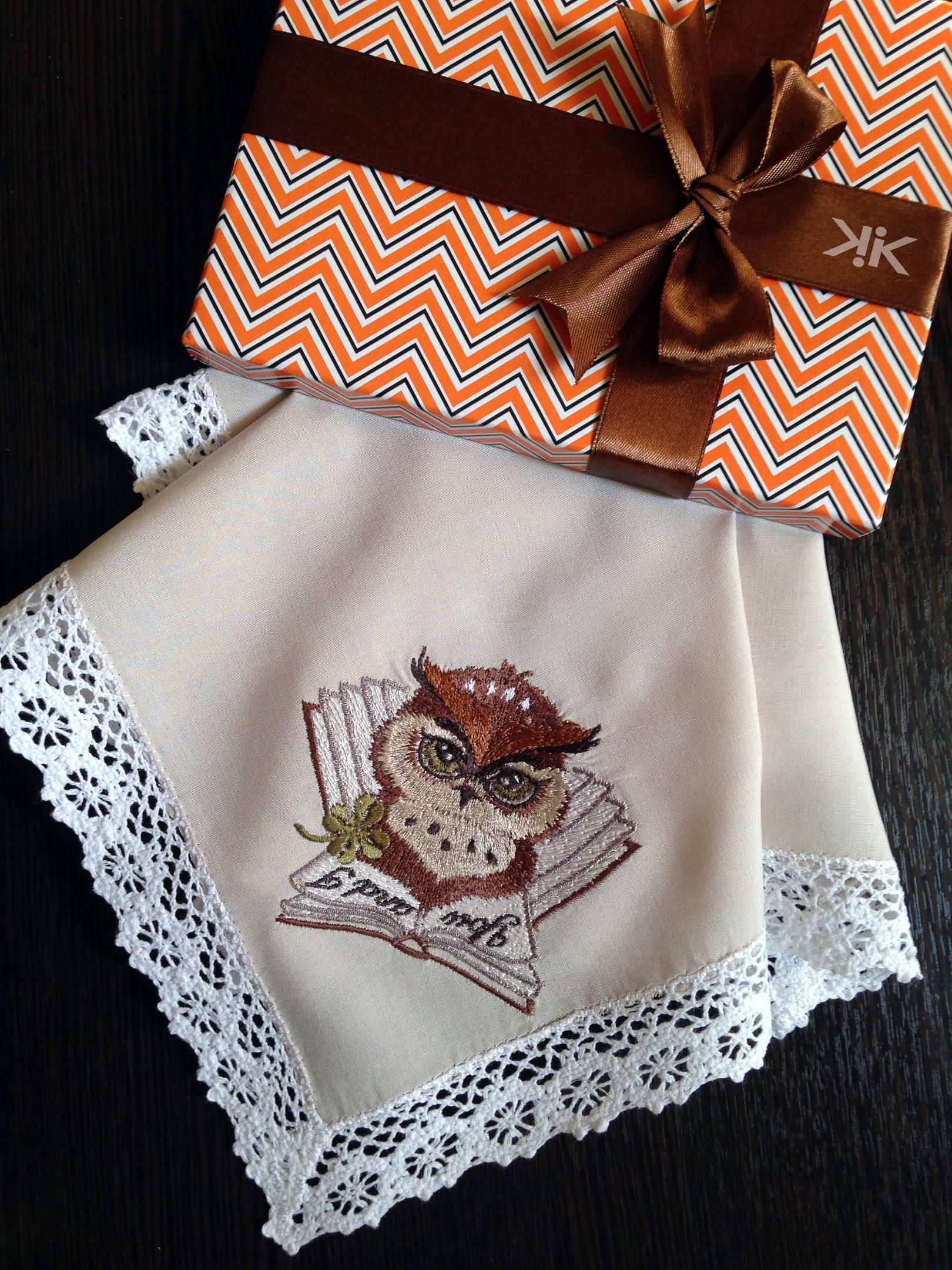 Платок носовой с вышивкой