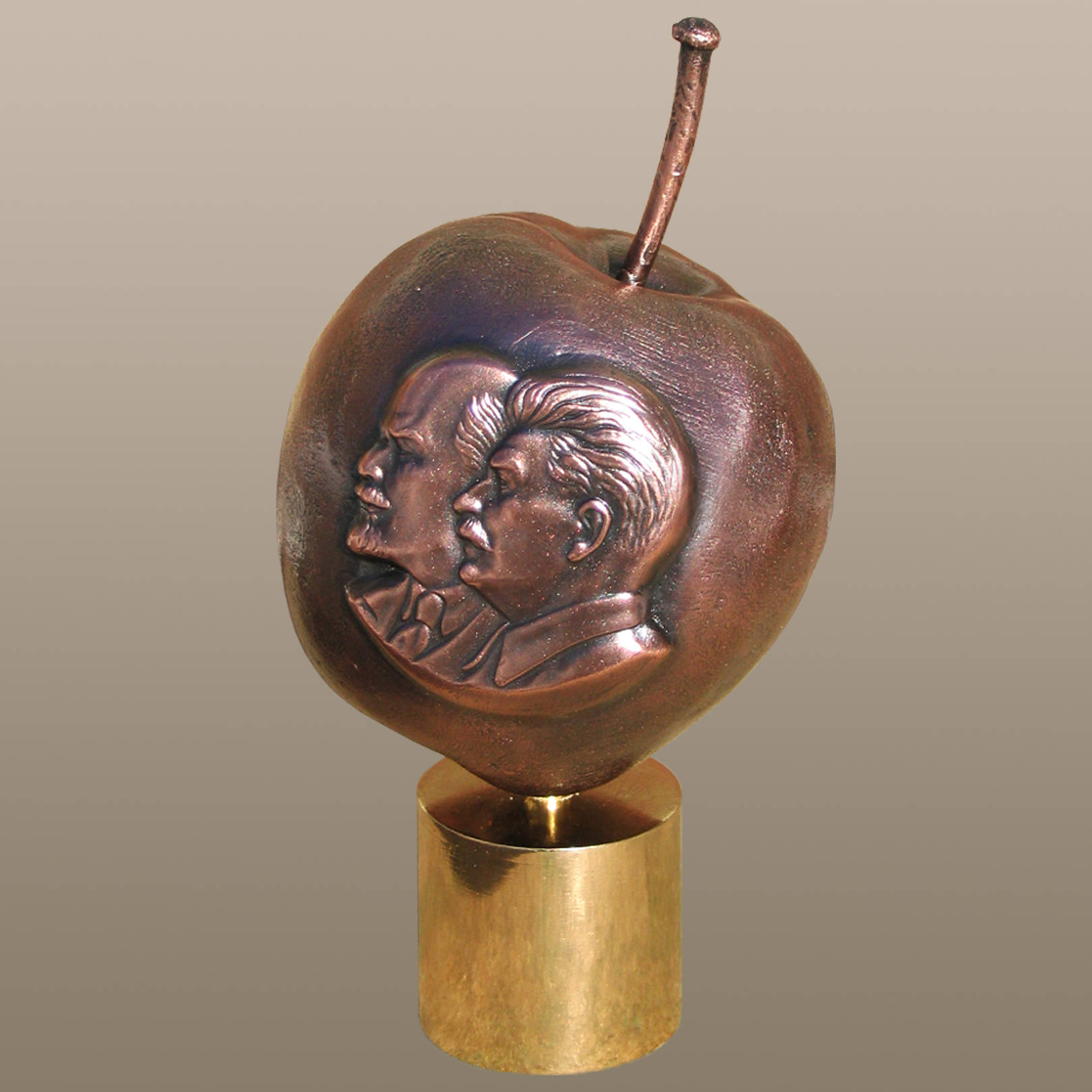 «Плод из сатанинского рая»   (медь, бронза)  20х10х10 см