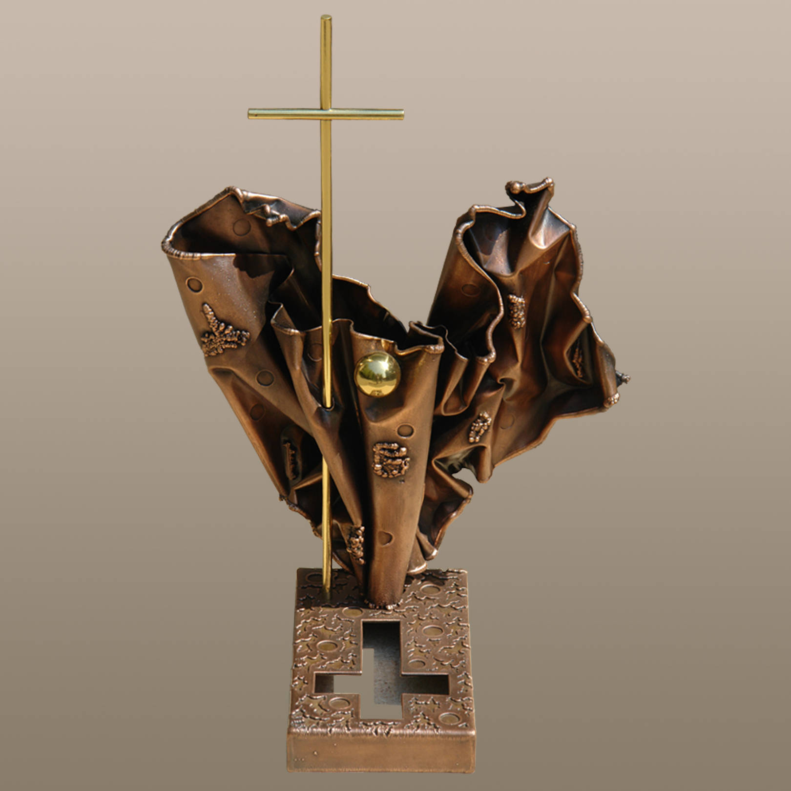 «Реквием»   (медь, латунь)  51х25х35 см