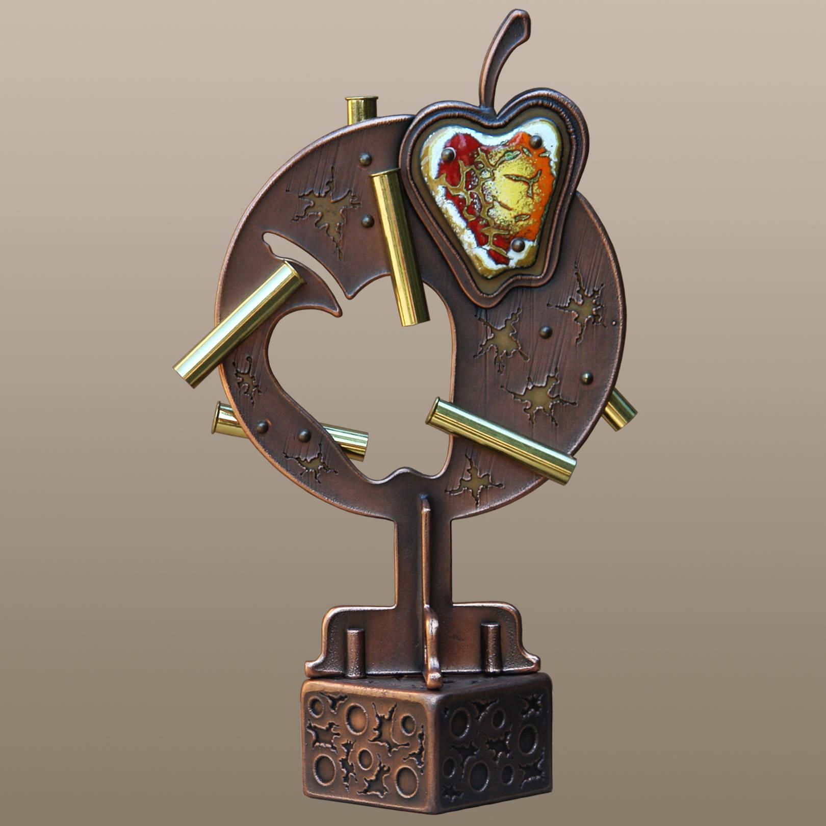 «Цель, поверженная в яблочко»   (медь, латунь, горячая эмаль)  35х11х21 см