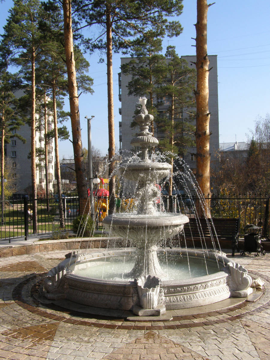 Колонны и фонтан Columns and Fountain