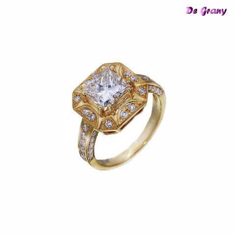 """Золото, бриллианты, центральный бриллиант 2.17 карата огранка """" Принцесса """""""