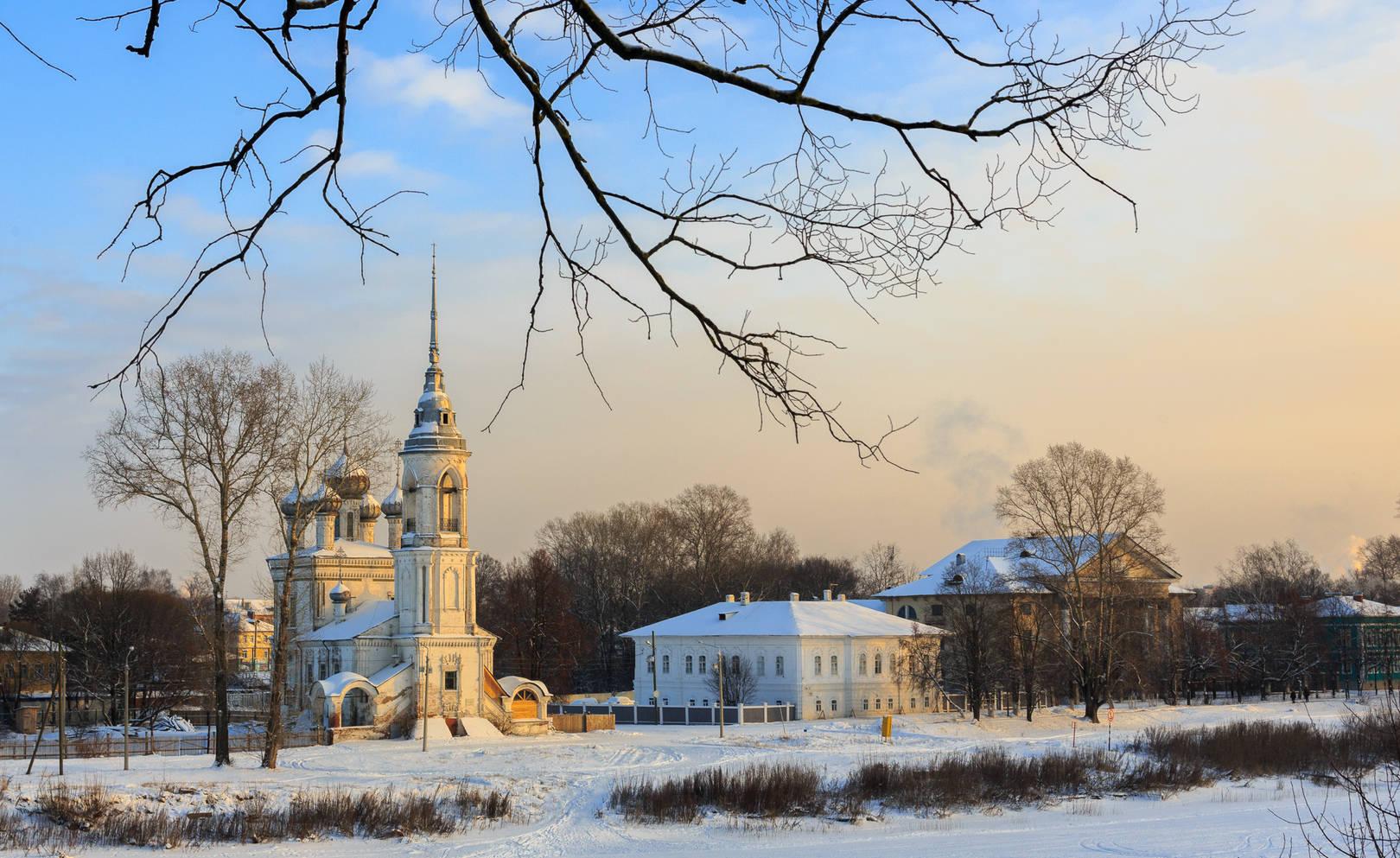 Вологодские кружева. Зима, мороз за 30. Церковь Сретения Господня