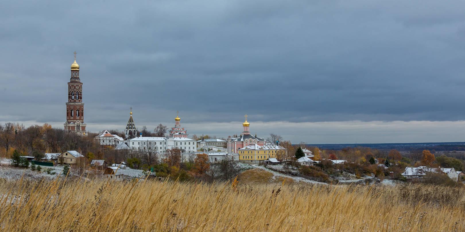 Под небом осени холодной. Иоанно-Богословский мужской монастырь села Пощупово вблизи Рязани