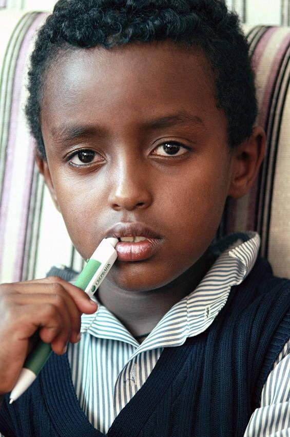 Мальчик по имени Анасимос из города Аддис-Абебы
