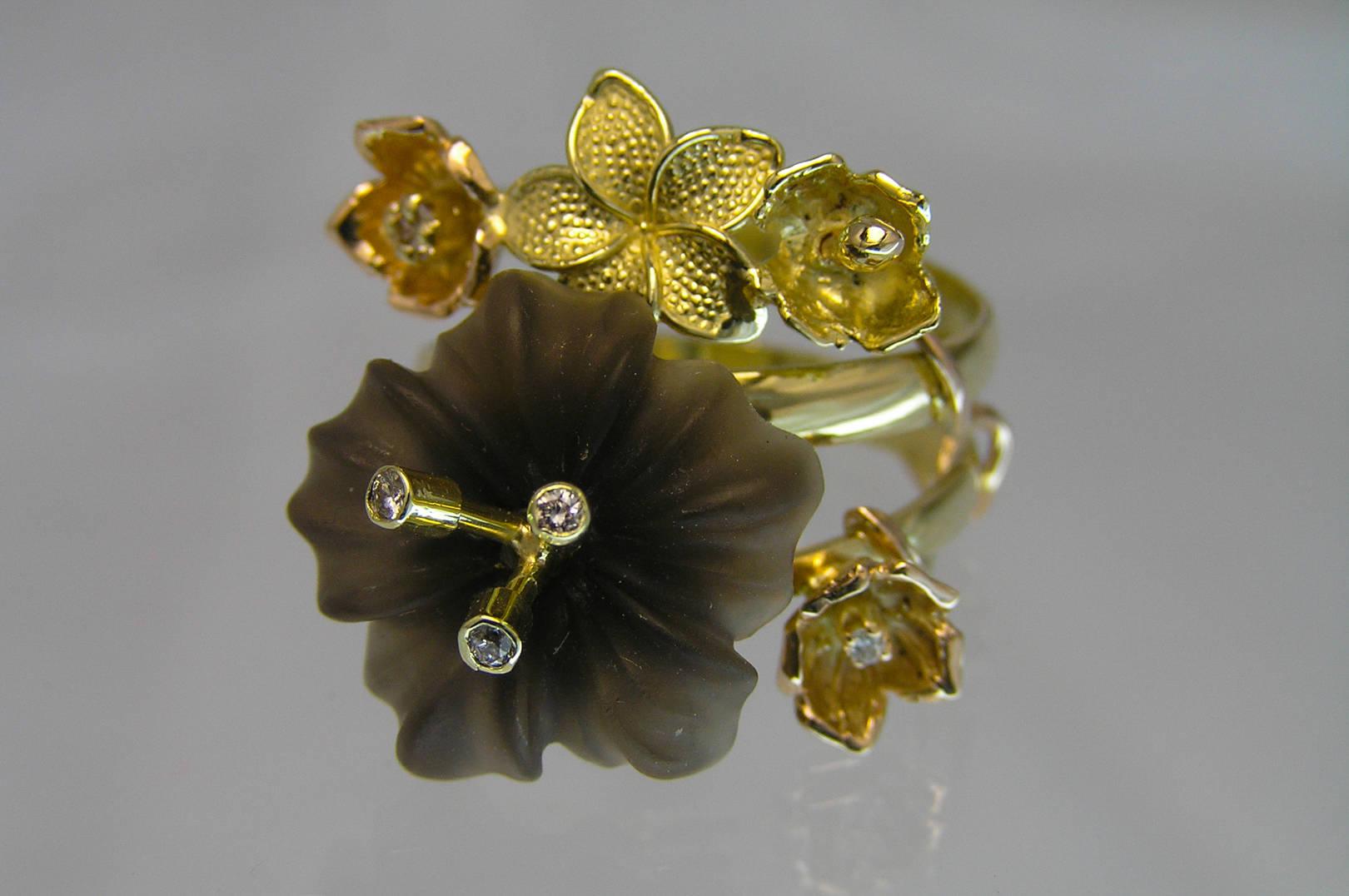 """Кольцо """"Весна"""". Золото трех видов, бриллианты, горный хрусталь, авторская техника."""