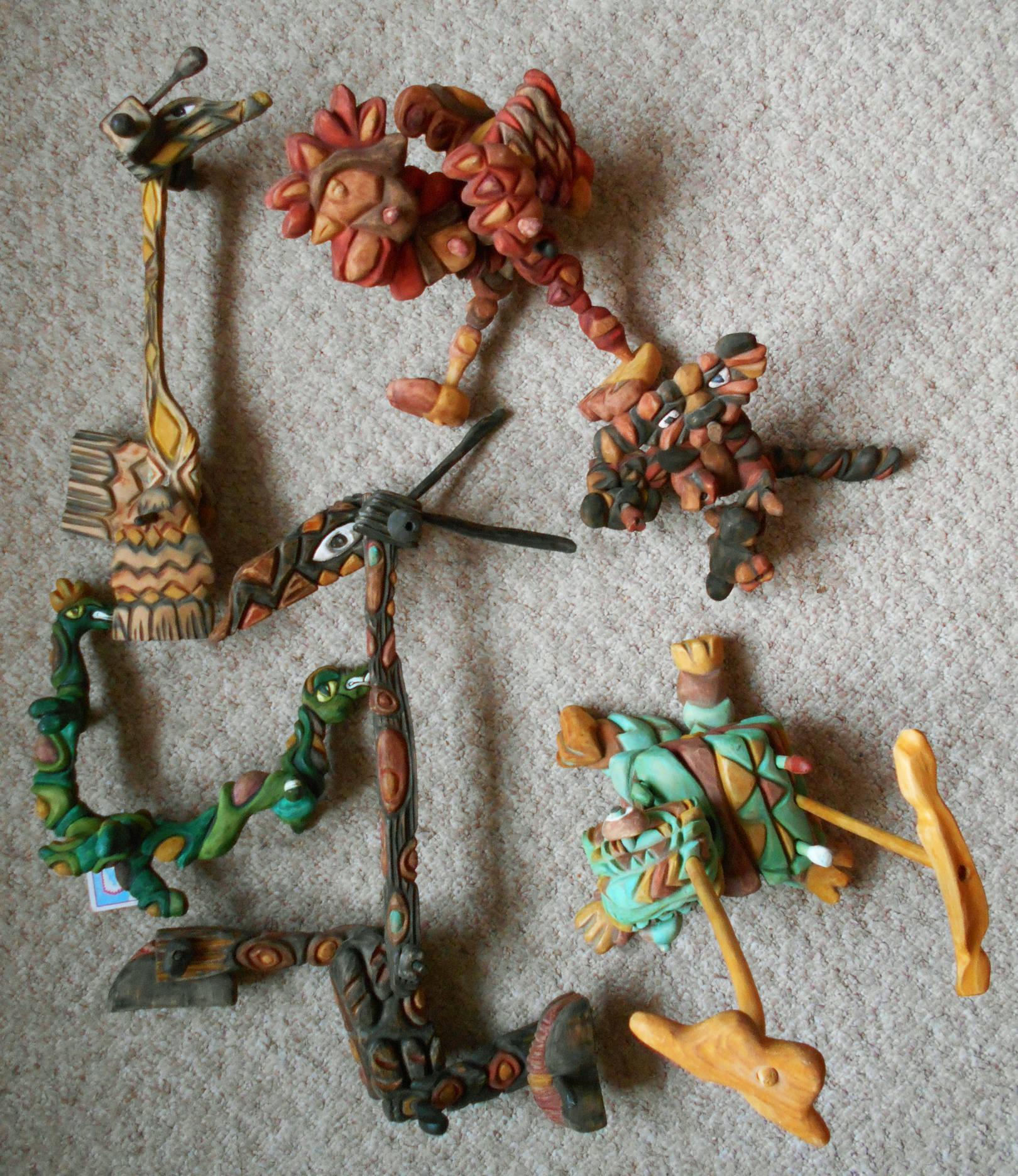 Жирафы, змеи, черепаха, петух и собака