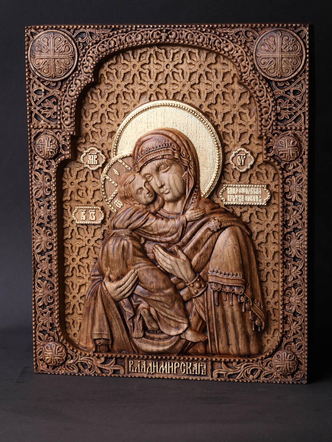 Икона Владимирской Божией Матери. Материал дерево ясень.Сусальное золото,воски. Размер 18,5х23,5 см