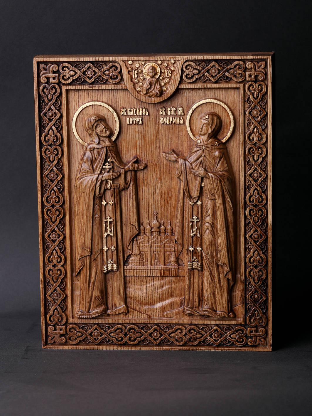 Святые князья Муромские Пётр и Февронья. Материал дерево ясень.Сусальное золото,воски. Размер 18х22,5см