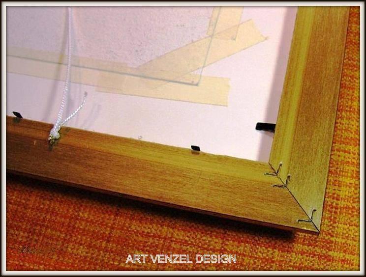 """Далее крепим стальными лепестками паспарту вместе с работой и стеклом в багетной раме, добавляя для надежности """"задник"""" из плотного картона в наш """"сэндвич"""". На фото его нет, но поверьте, в реале он существует, и выполняет свою защитную функцию."""
