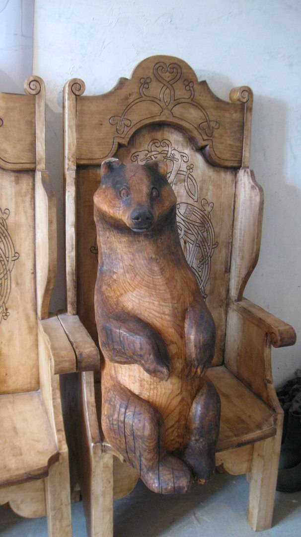 Badger on the throne.