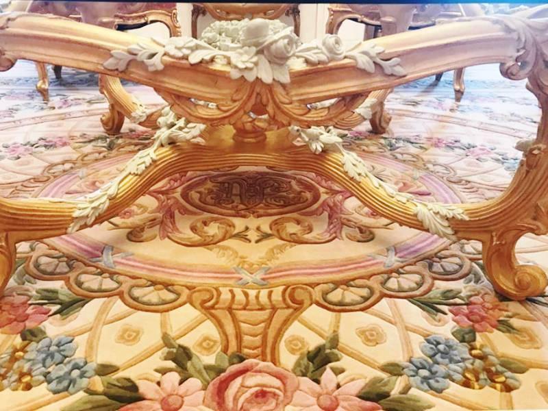 Центральная часть с элемнтами мебели.