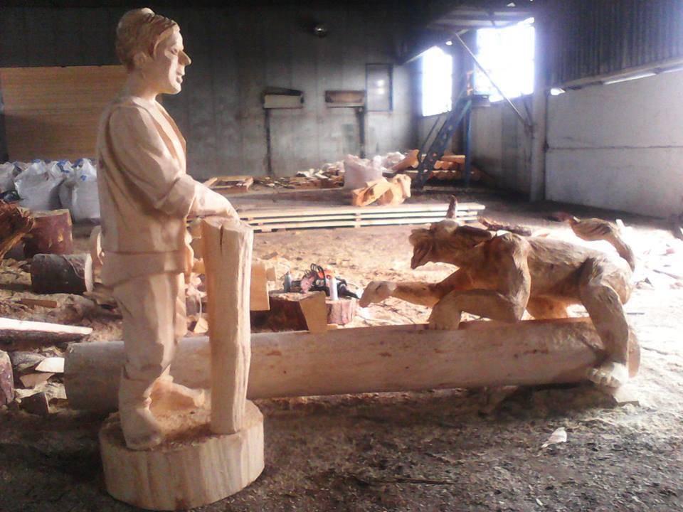 Батыр и Шурале.Скульптура бензопилой.