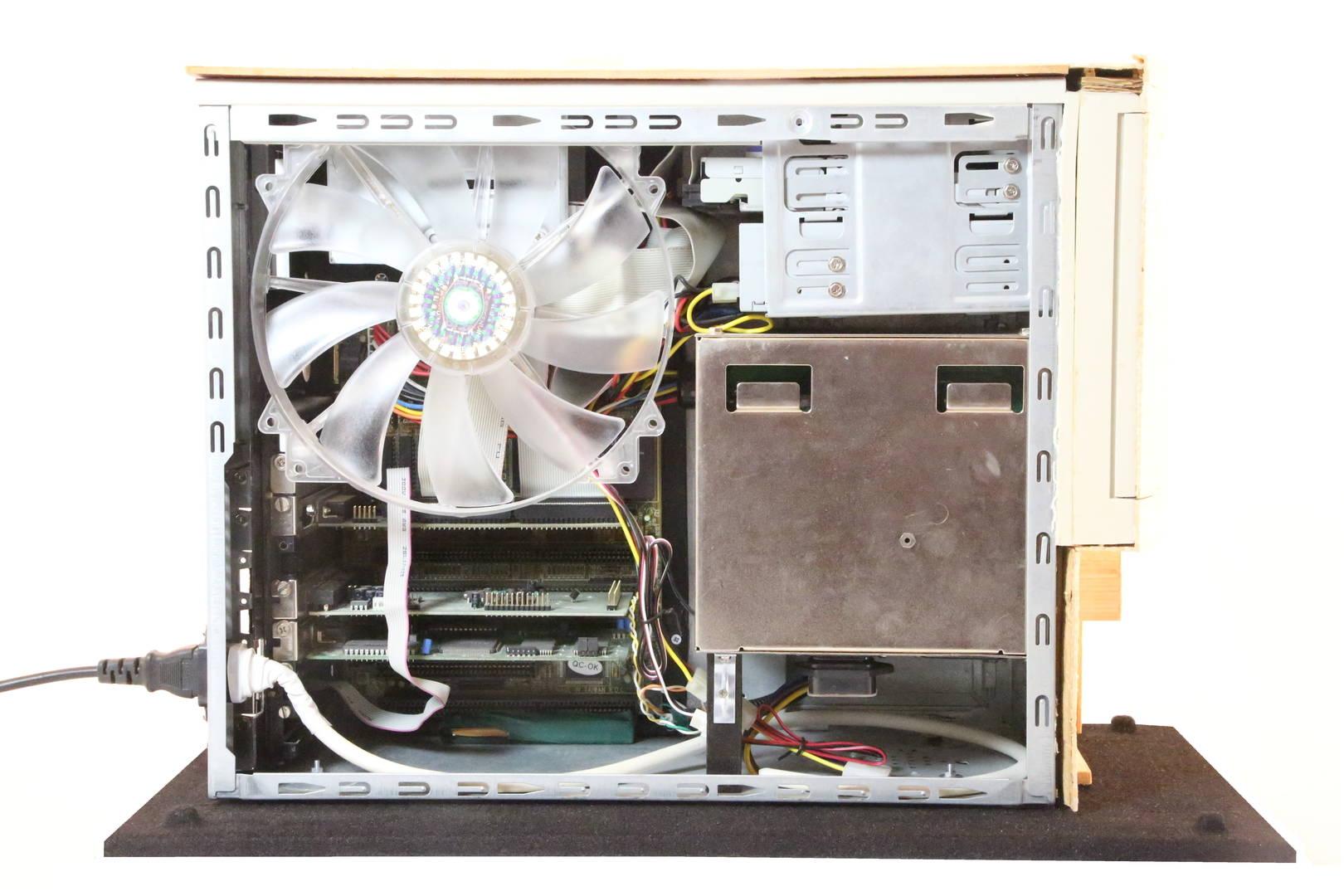 Компьютерный корпус из спичек