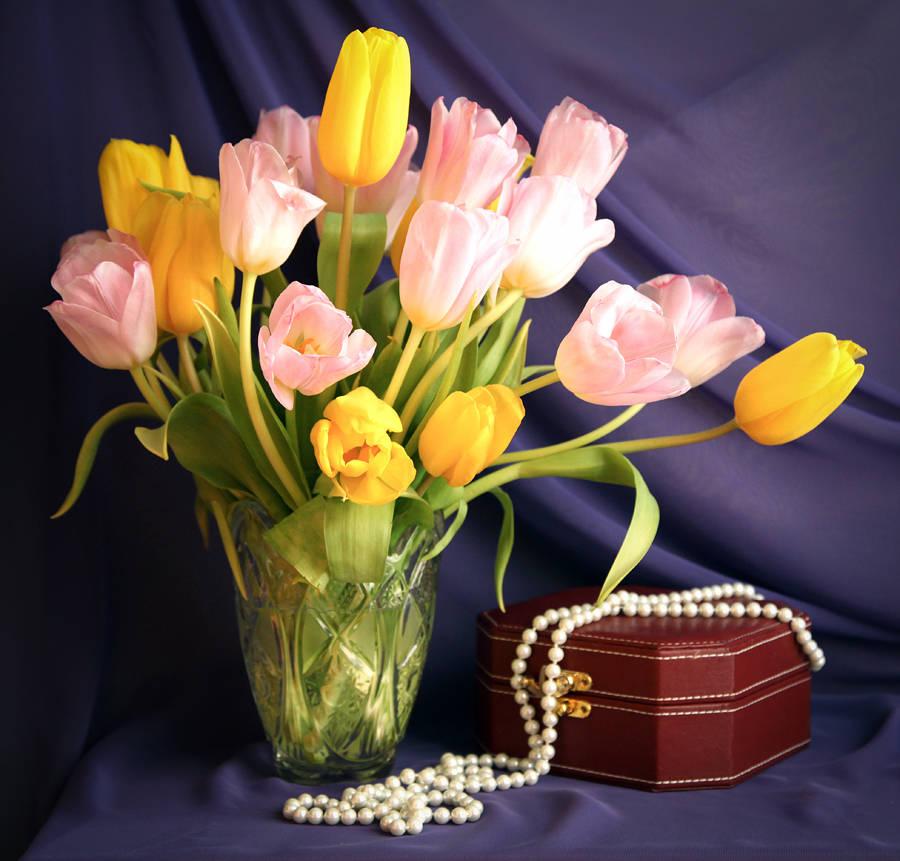 Тюльпаны и жемчуг.