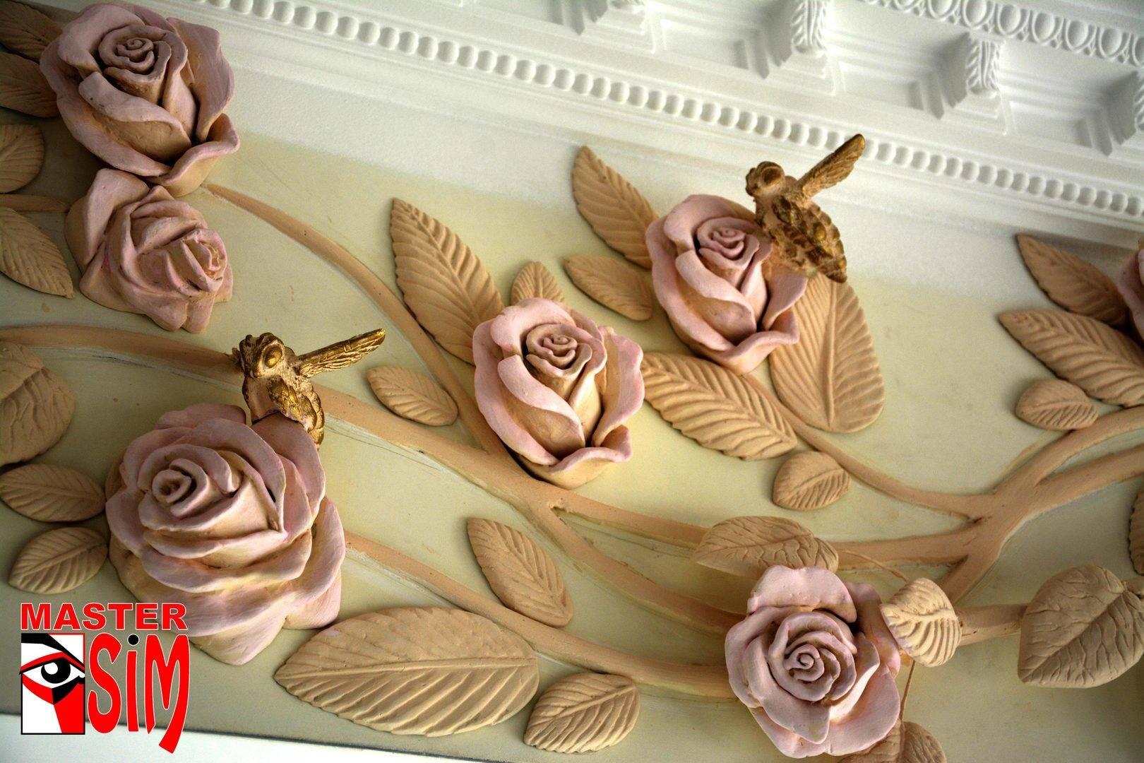 Барельеф арки с розами