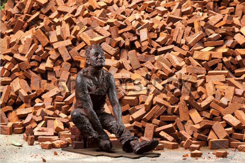 МЕЧТАТЕЛЬ. Литьевой камень, кирпич, дерево///DREAMER. Casting stone, brick, wood