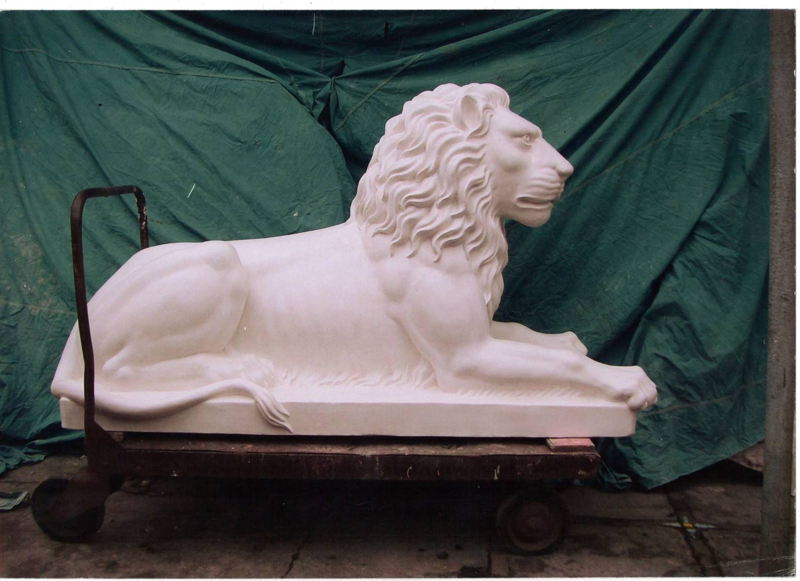 Античная парковая скульптура.