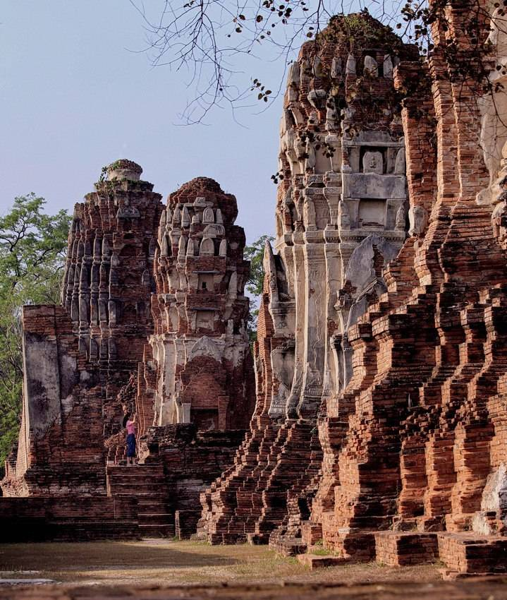 Древний храм в городе Аюттхая (Тайланд).
