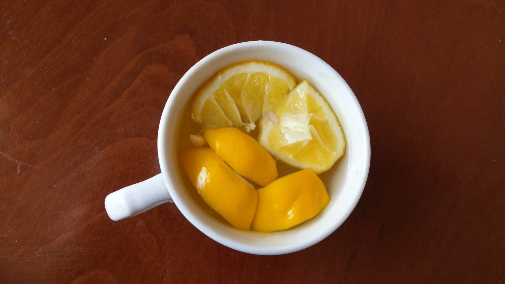 Никто не откажется от утреннего чая с лимоном, когда за окном снежная погода