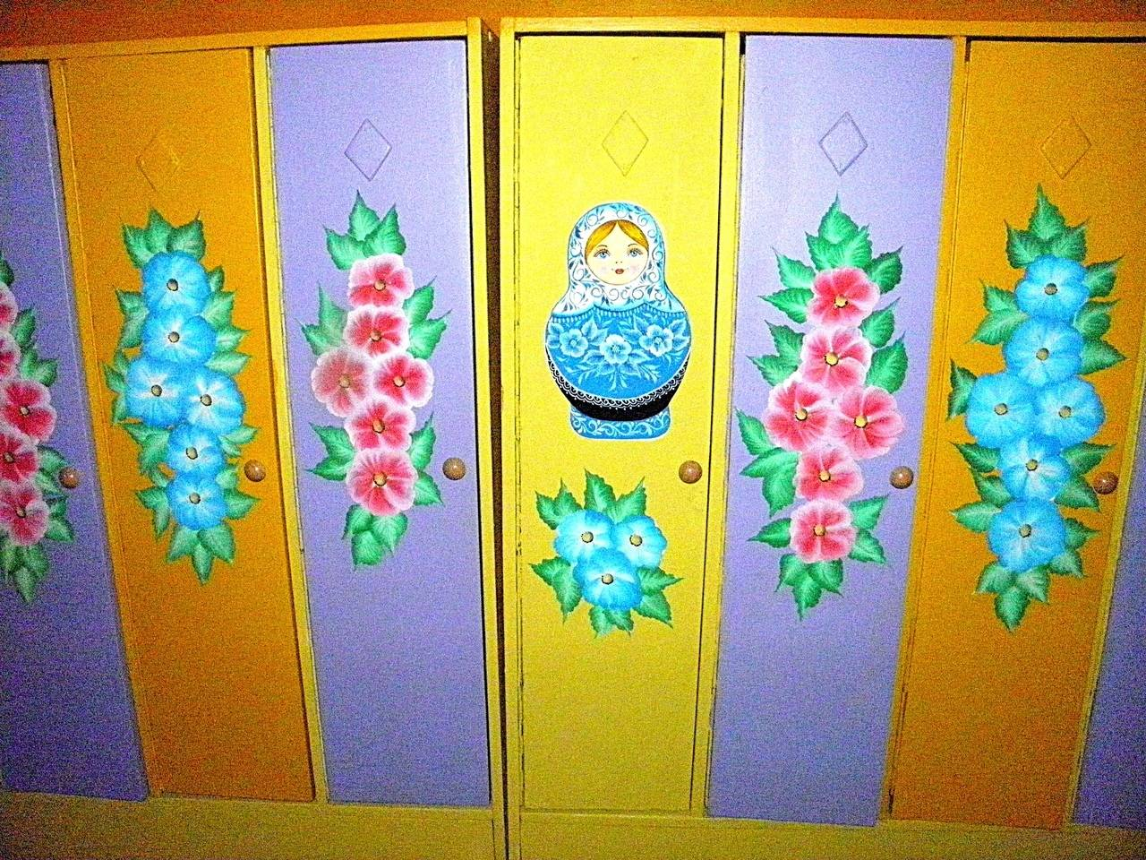 Роспись шкафчиков