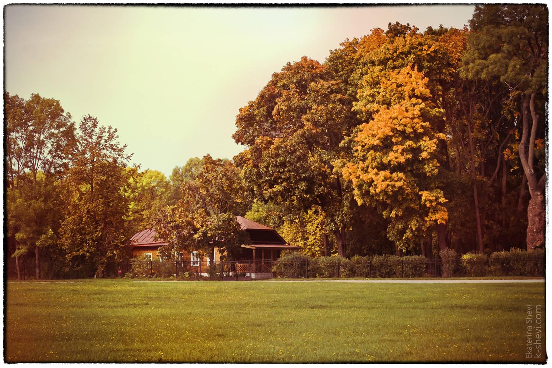 Парк в Спаском-Лутовинове  один из лучших образцов русского усадебного садово-паркового искусства конца XVIII —начала XIX веков.