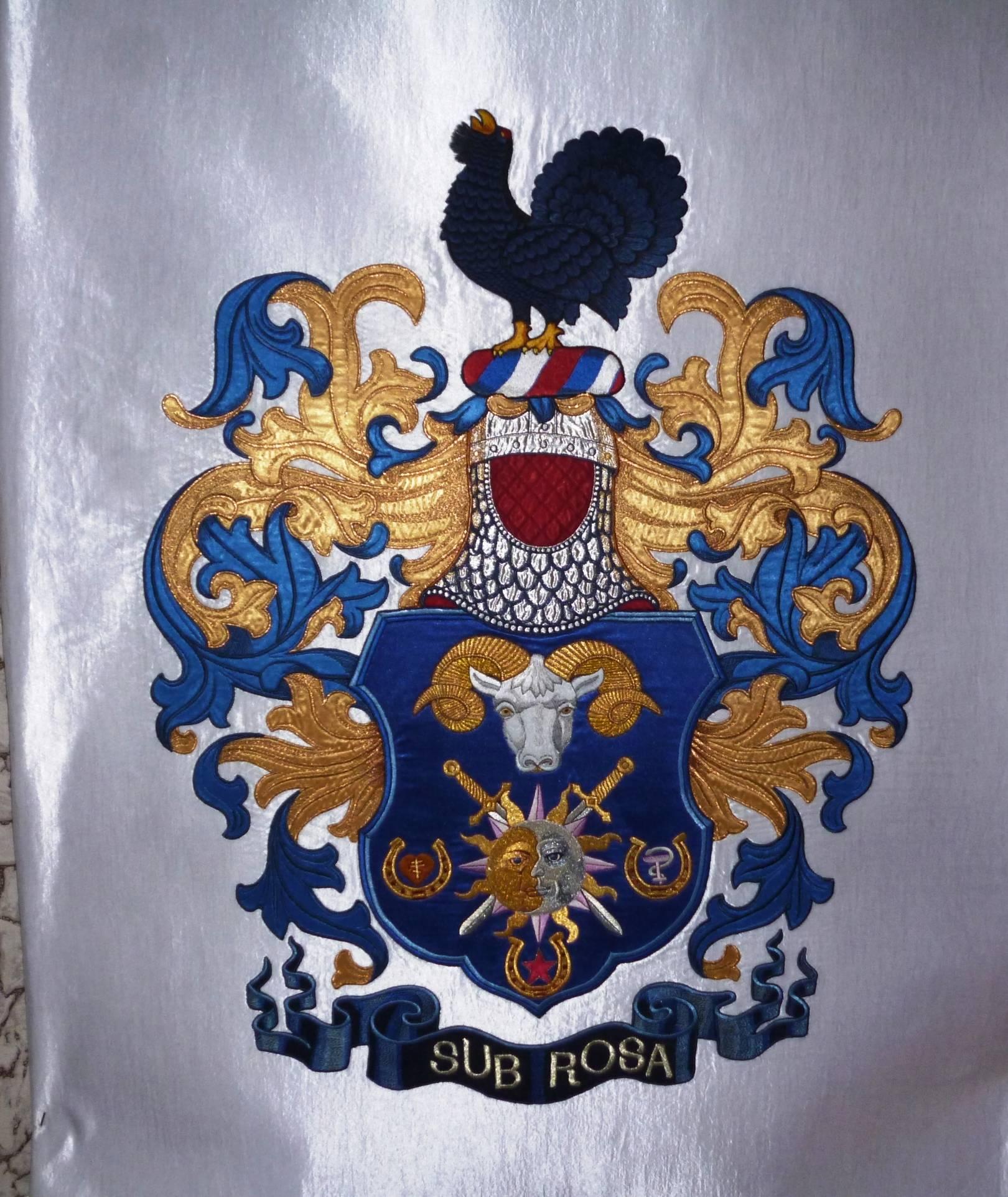 """Вышитый герб """" Sub Rosa"""" Размер: 1,0м на 0,8м"""