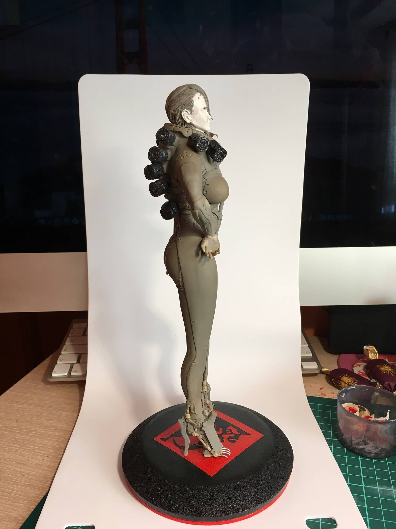 Скульптуры ручной работы.