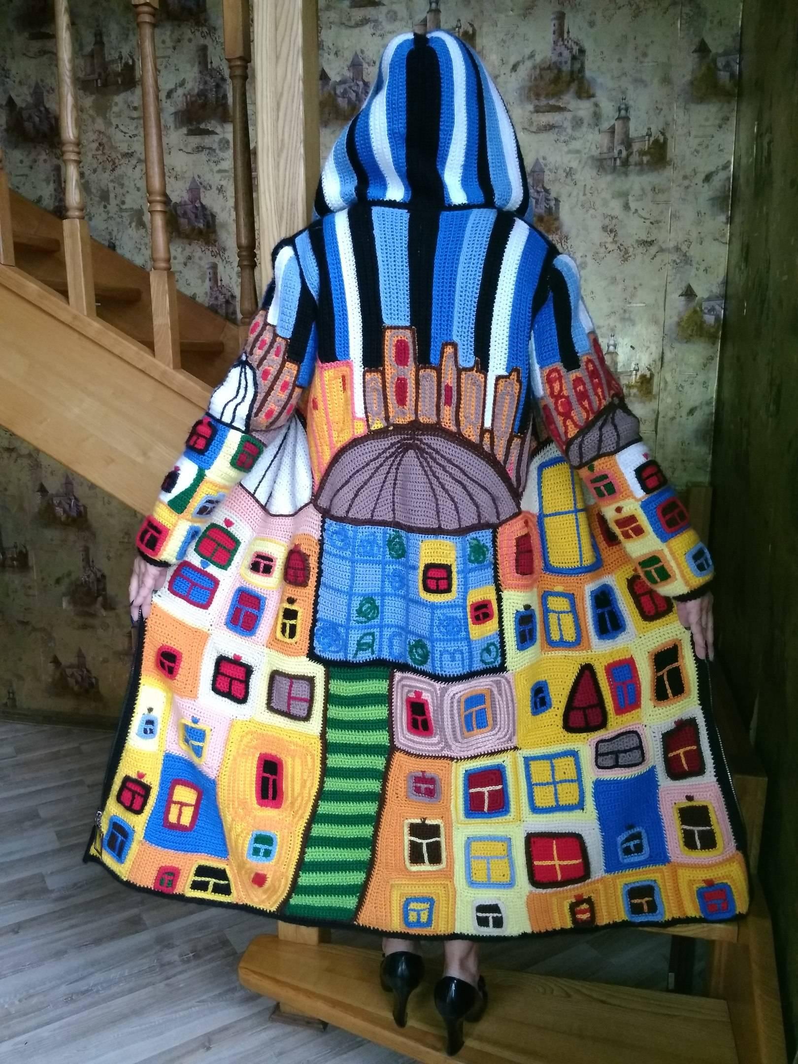 """""""Танцующие окна Хундертвассера""""-вязание крючком,техника интарсия,пэчворк,авторское текстурирование полотна."""