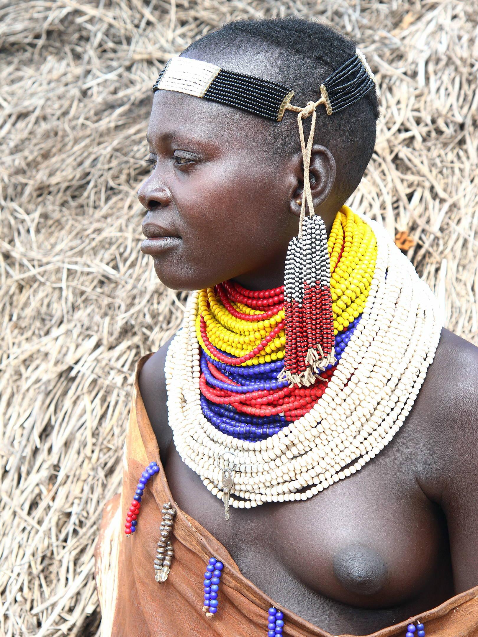 Девушка из племени Каро