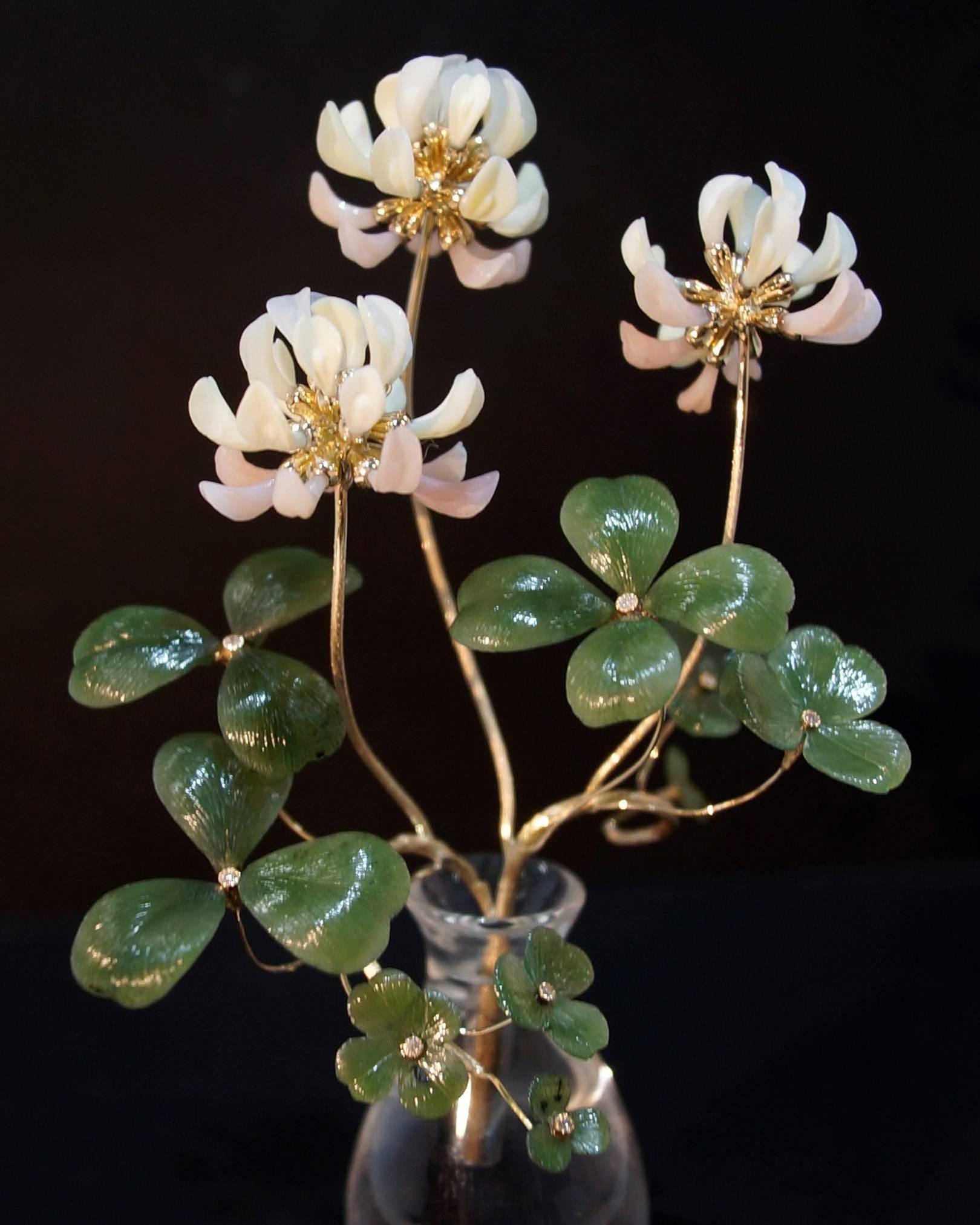 Jewelry floristics.