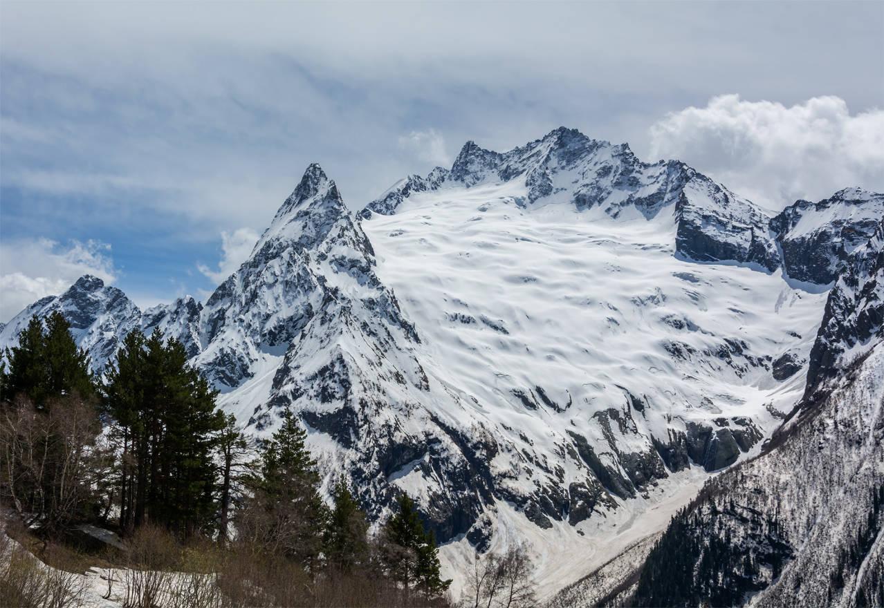 Пик Инэ. Ледник Джугутурлучат. Вершина Джугутурлучат