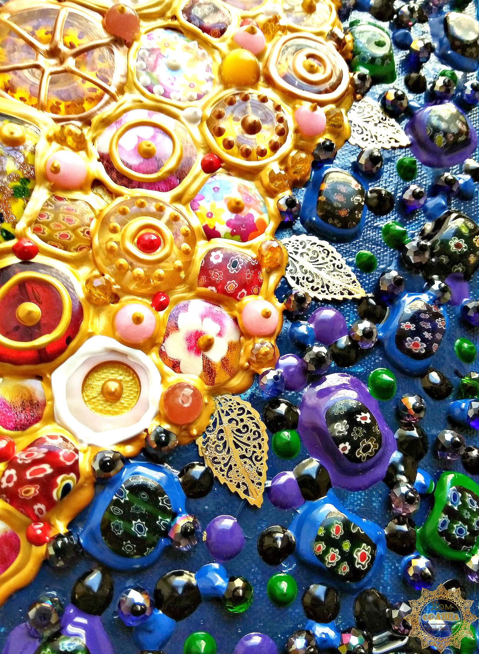 Декоративное панно из полудрагоценных камней и муранского (венецианского) стекла Солнечный букет по мотивам работ испанского художника Хуана Ромеро (Juan Romero). Детали.