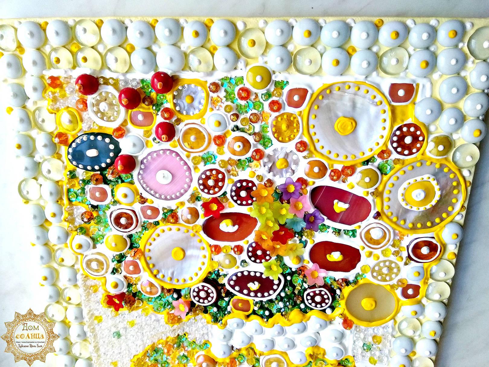 Яркая, летняя, позитивная картина Солнечное утро с желтыми цветами и фруктами. Полудрагоценные камни, стекло. Детали