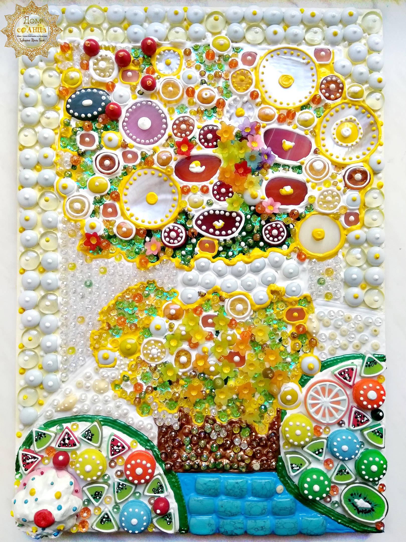 Яркая, летняя, позитивная картина Солнечное утро с желтыми цветами и фруктами. Полудрагоценные камни, стекло.