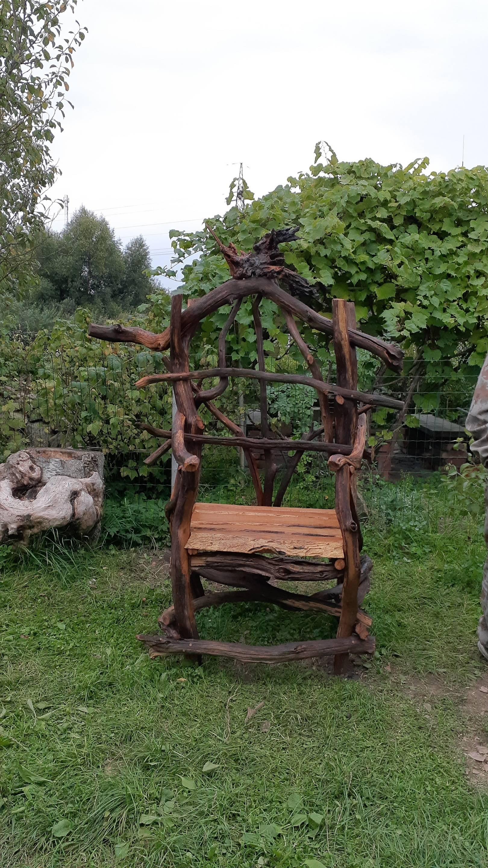 трон из веток