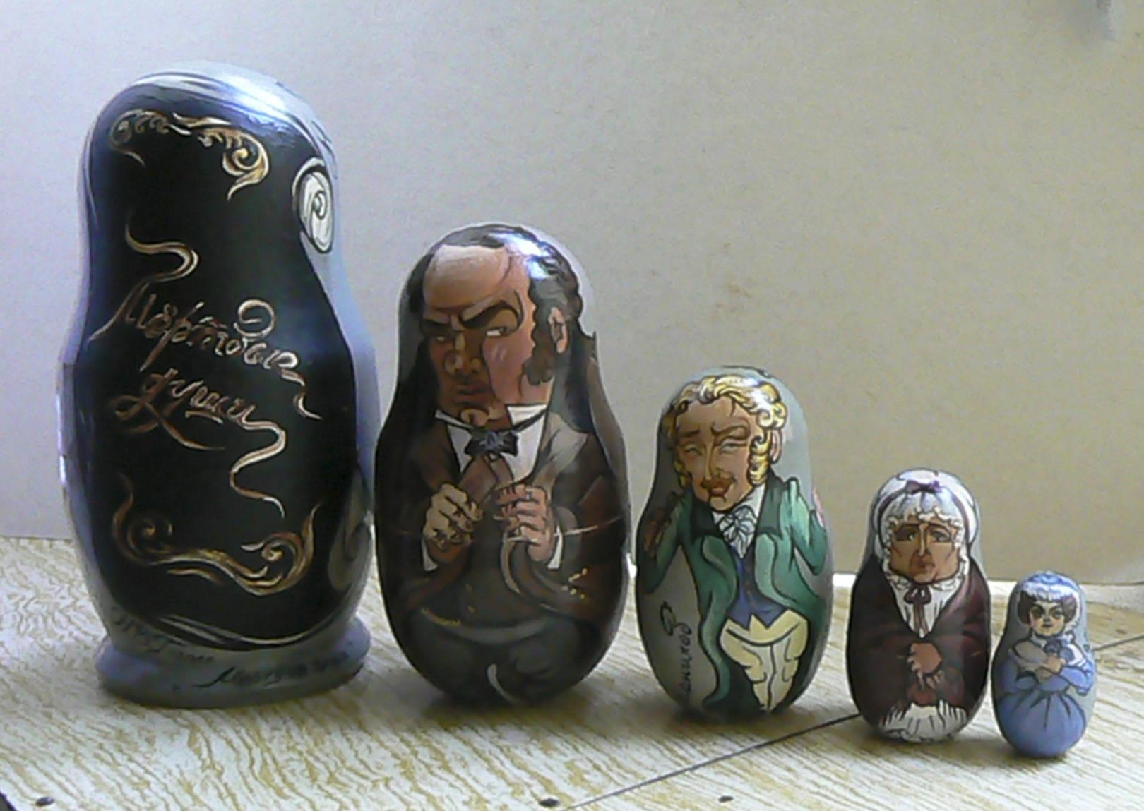"""Матрёшки по произведению Н.В. Гоголя """"Мёртвые души""""."""