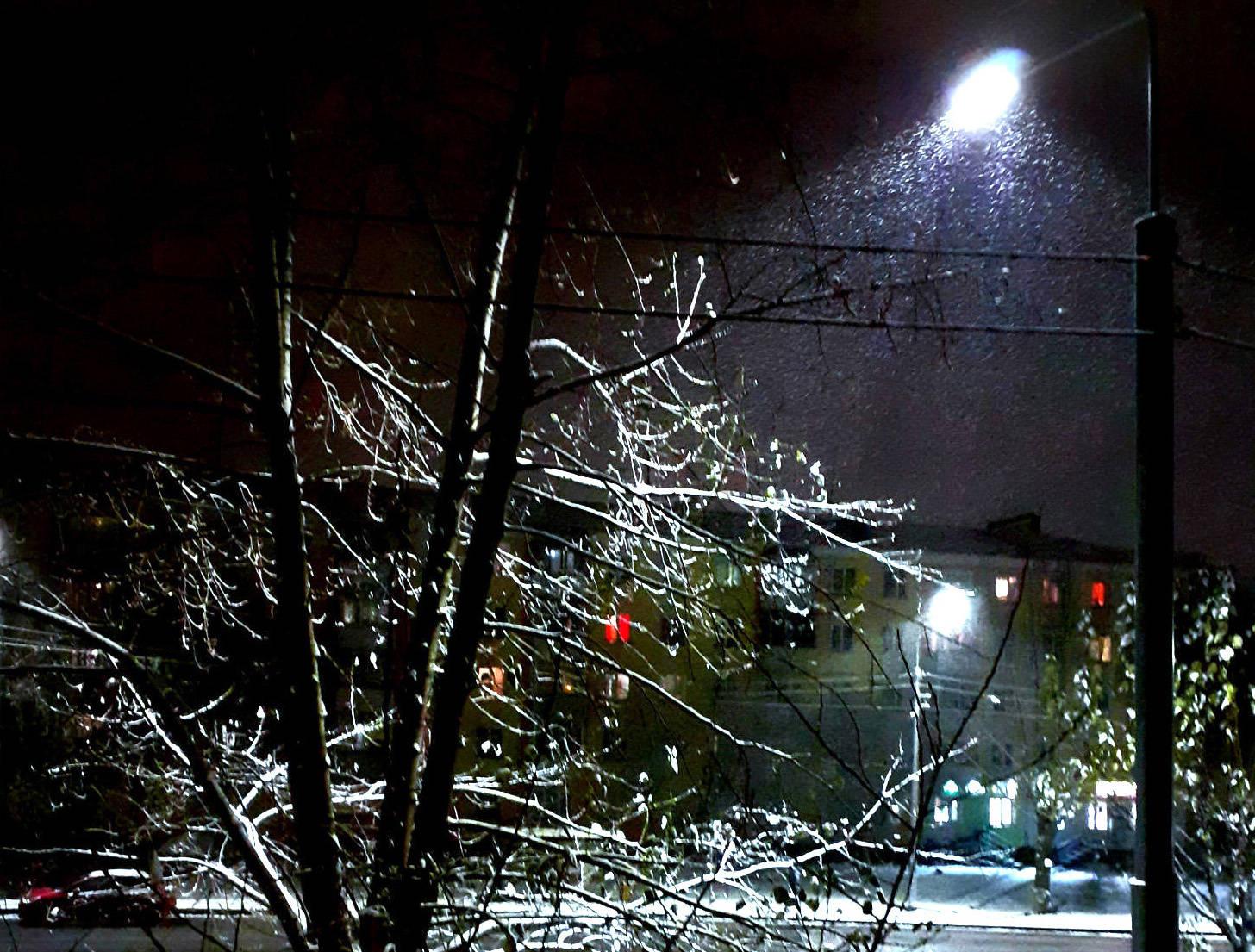 Первый октябрьский снежок в Красноярске.