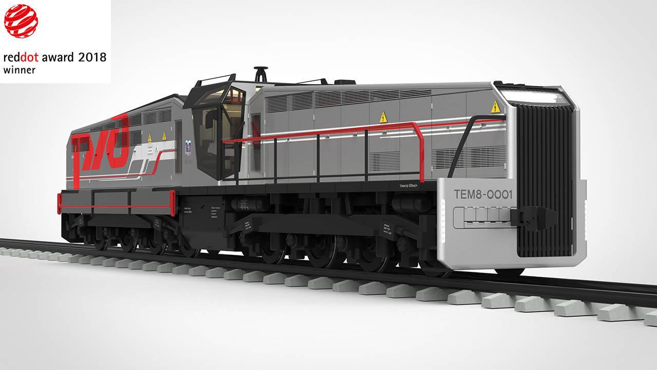2011 год. Маневрово-вывозной локомотив ТЭМ8А (Россия).