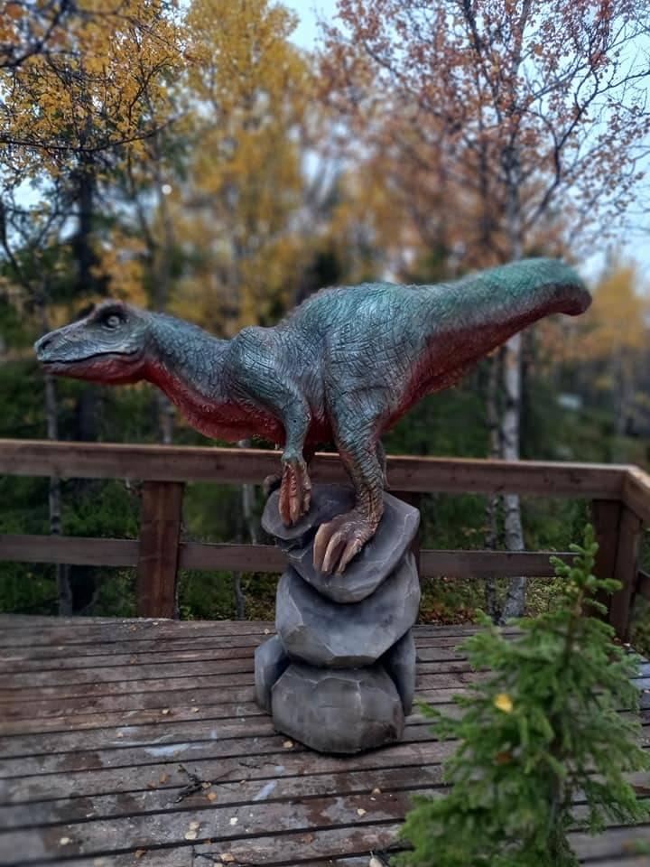 Резьба бензопилой Эра динозавров.