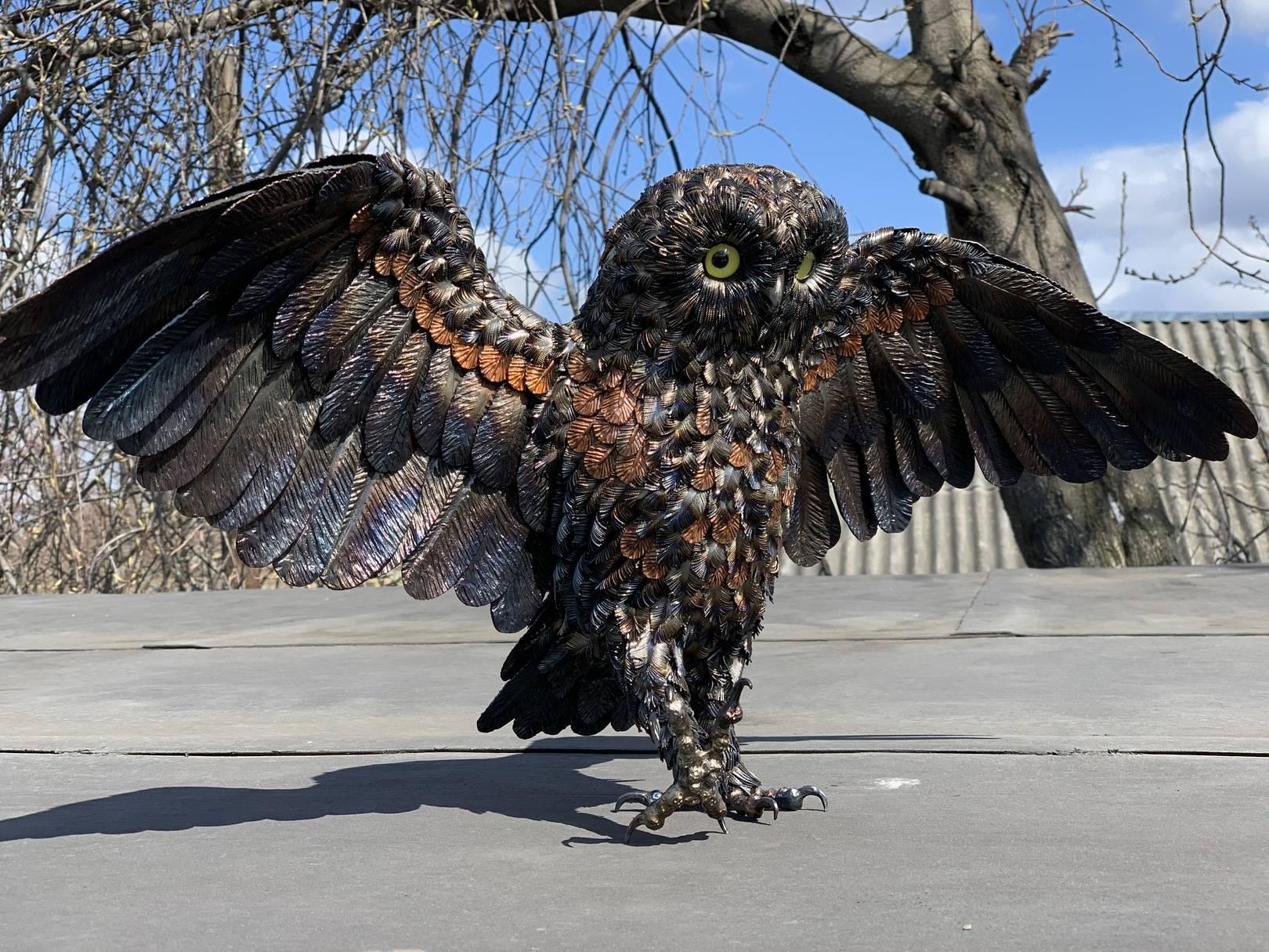 Owl. Metal.