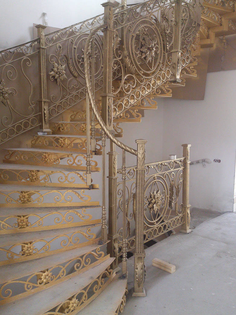 Лестница (фото с объекта)