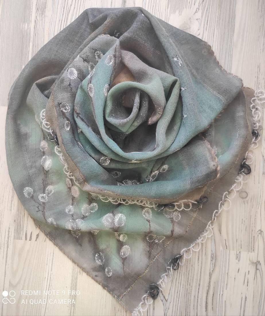 """Шерстяной шарф (150х50) -  в подарок к """"Вербному воскресенью"""" Супертонкая полупрозрачная шерсть с вышивкой мохеровой нитью"""