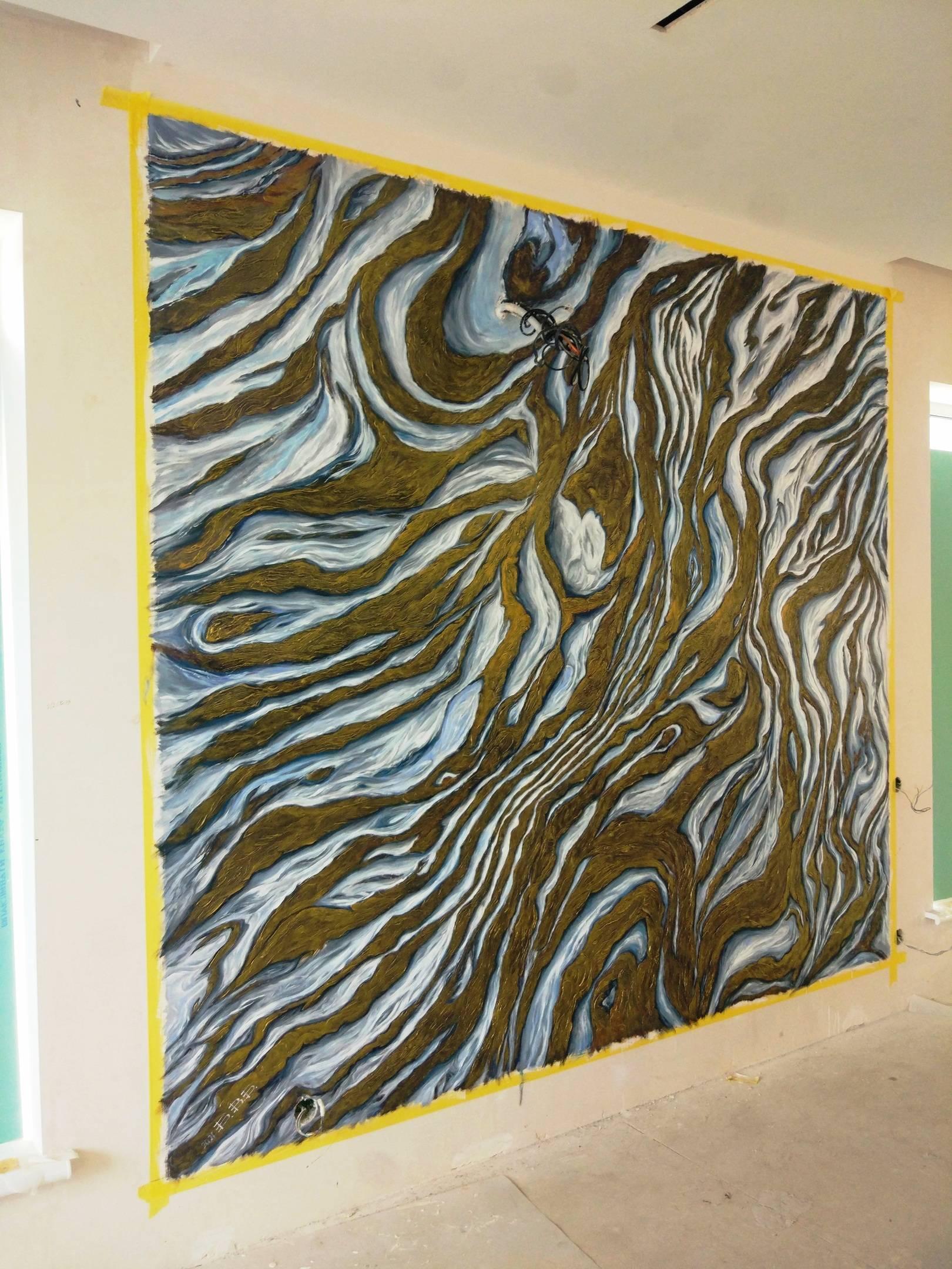 Декоративное оформление стены.