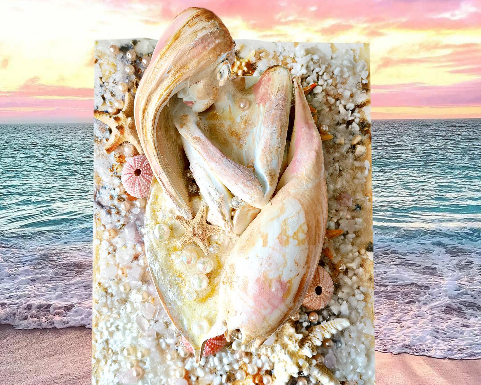 Акрил, деревянная панель, гипс, розовый кварц, жемчуг, натуральная раковина, морские звезды и камешки, текстура