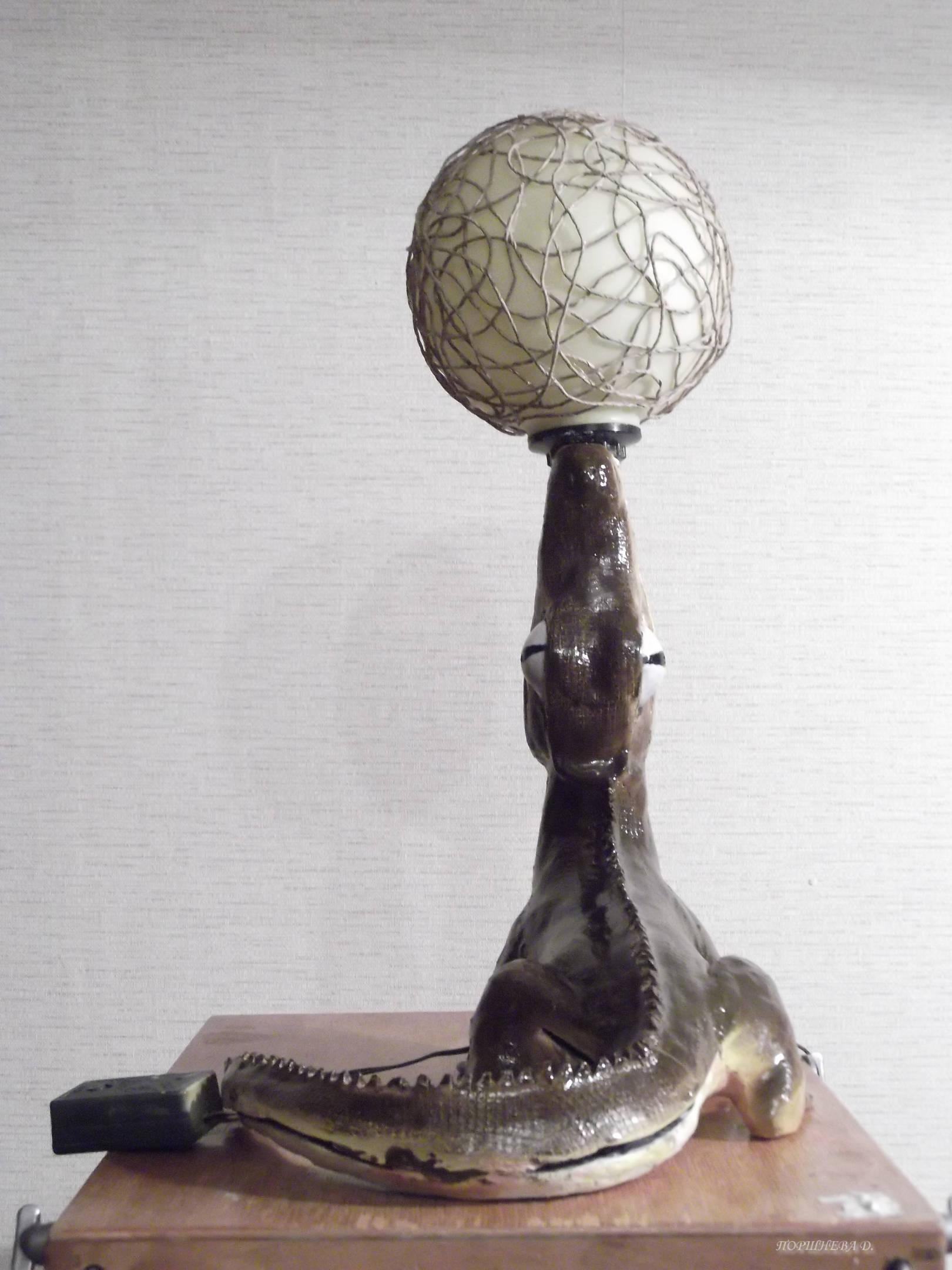 Декоративный светильник крокодил