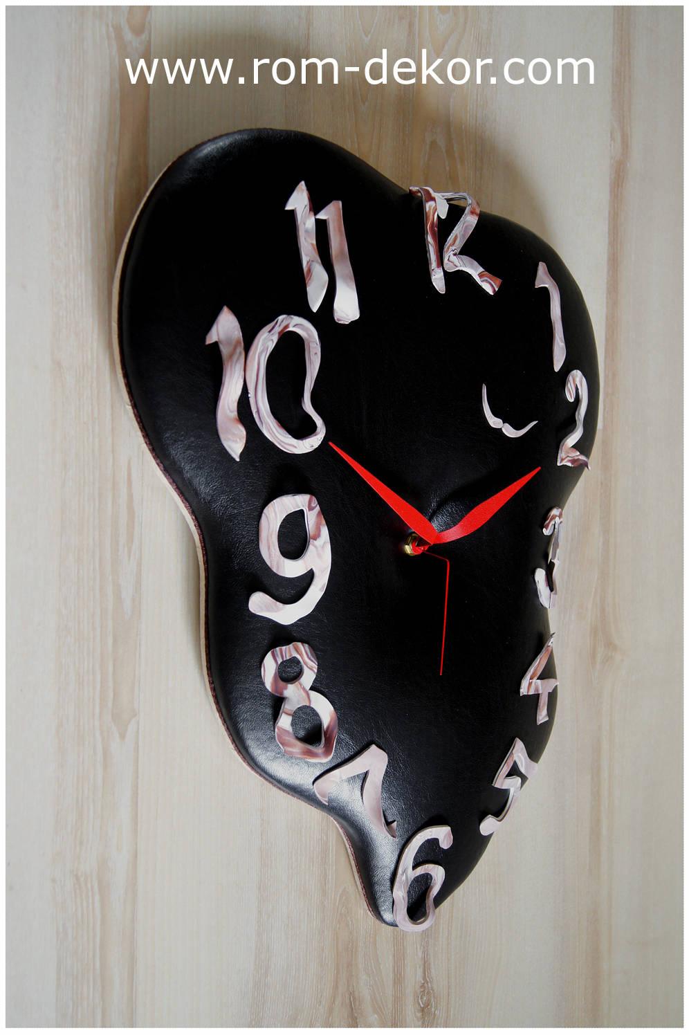 """Часы """"Наш Сальвадор"""""""
