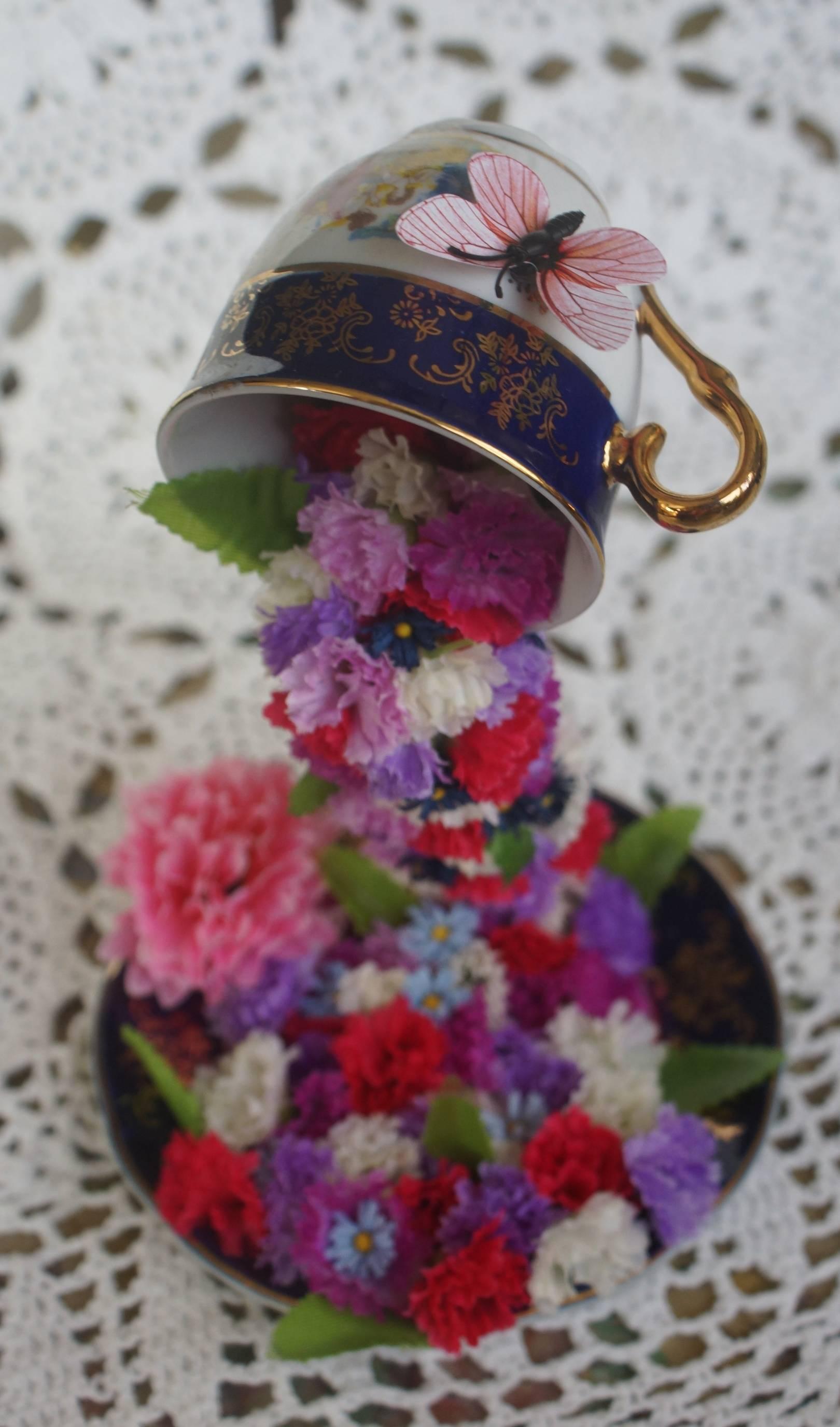 """Интерьерная композиция """"Парящая чашка"""""""