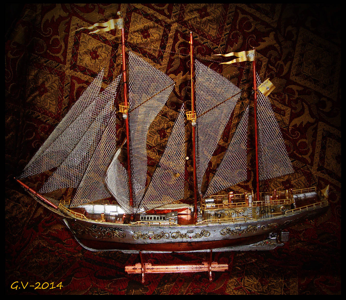 """фантазийный кораблик """"Esperanza""""от исп. """"Надежда""""2014 длина 43см. высота 37см. ширина 12см."""
